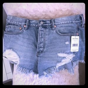 Free People Shorts! Size 28 🖤 Never been worn!!
